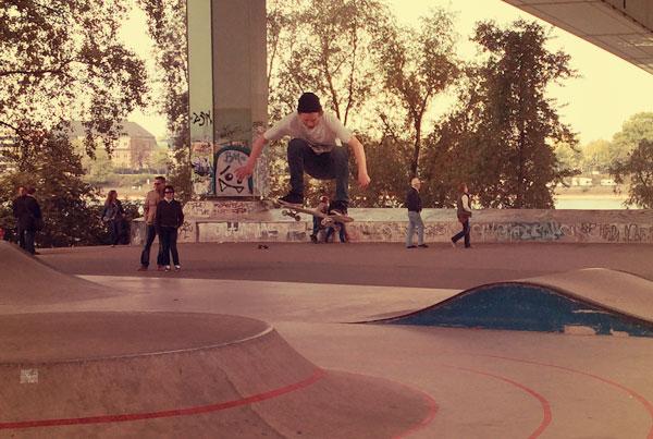 Skatepark unter der Zoobrücke