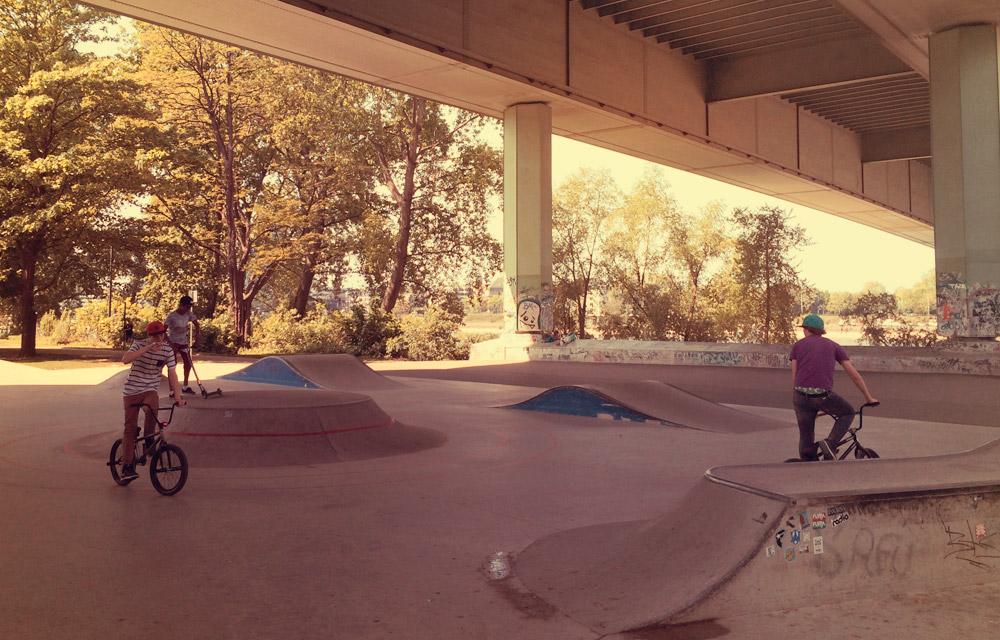 BMX unter der Zoobrücke